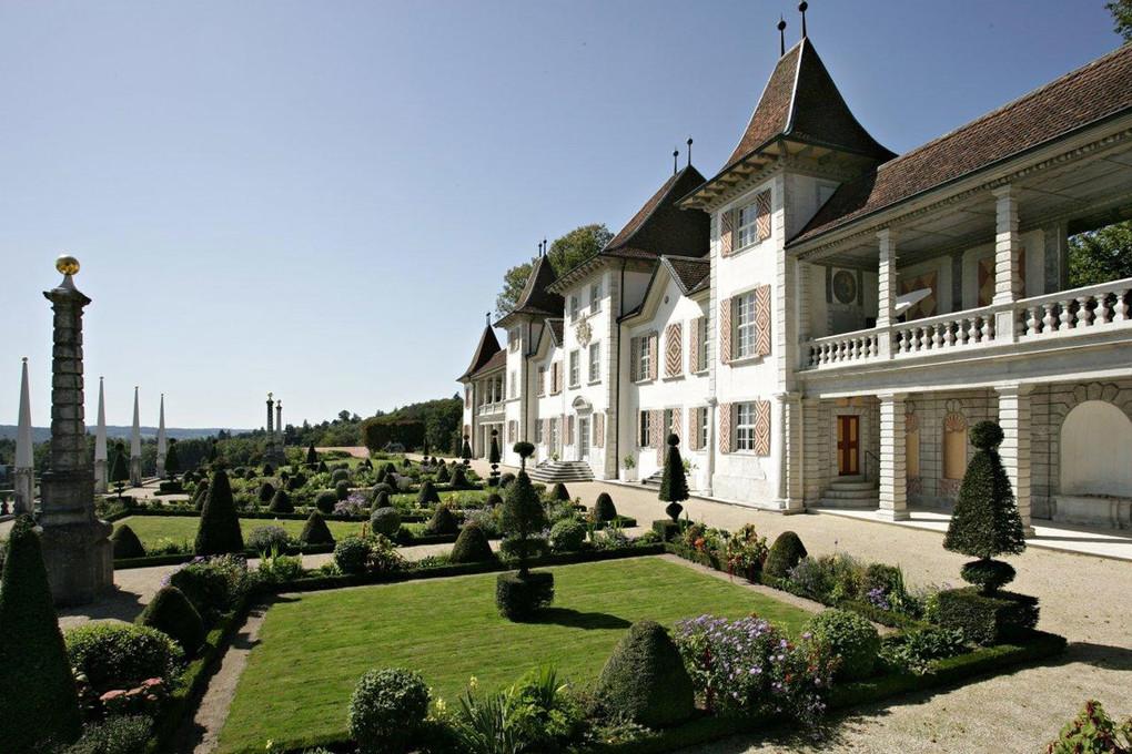 Schloss Waldegg Feldbrunnen